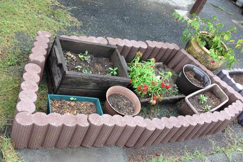 こんな形に花壇を作ります