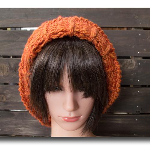 手編みオレンジニット帽