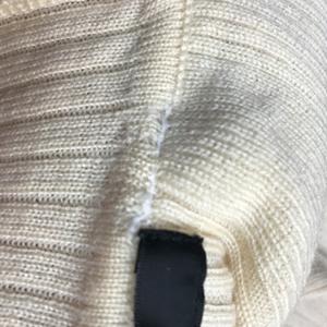 既製品のセーターの衿つけがほつれました