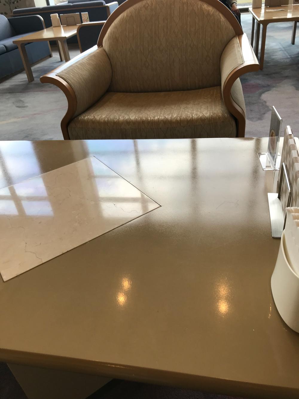 ロビーの喫茶でコーヒータイム